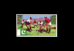 1962 DICKSON ORDE #20 SPORTS OF THE COUNTRIES PAKISTAN