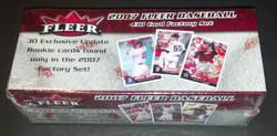 2007 FLEER BASEBALL FACTORY SET W/30 CARD BONUS