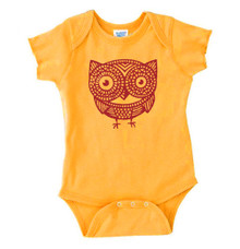 Wee Owl Onesie in Gold