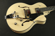 Godin 5th Avenue Uptown GT LTD - Trans Cream Includes Tric Deluxe Case Arch Top - (069)