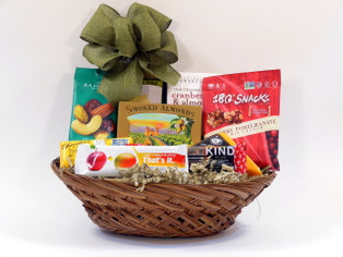 This gourmet gift basket is a great way to express thanks or send cheer with a healthy selection of treats!
