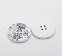 White Wood Painted Button Floral (Design No.26) Four Hole 30mm