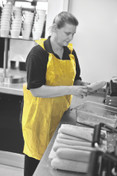 APRON DISPOSABLE YELLOW FLAT PACK X100