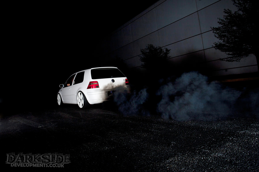 arnos-mk4-golf-smoking.jpg