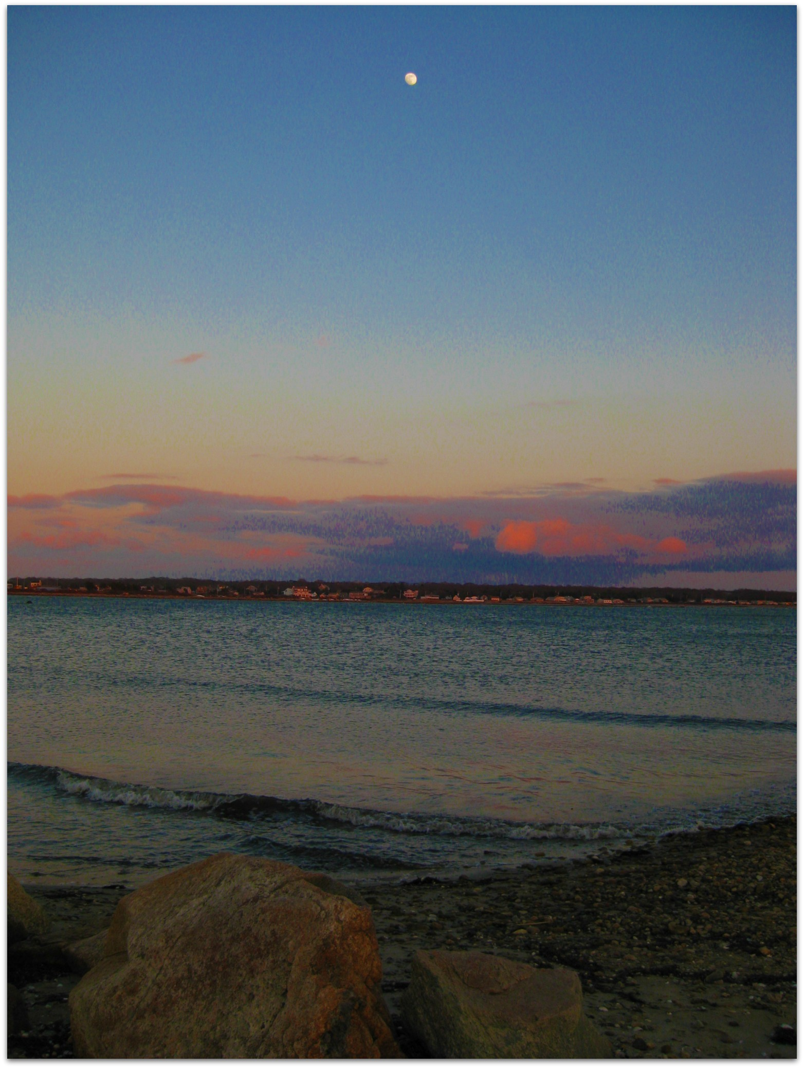 lita-sea-glass-jewelry-beach.jpg
