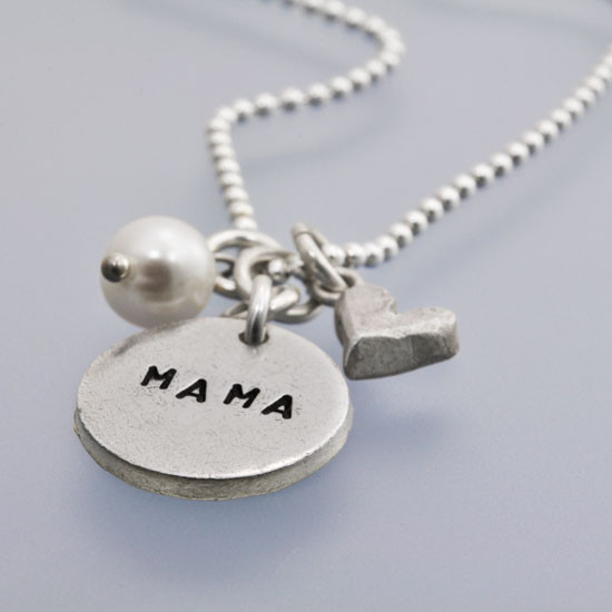 Mom necklace with heart and pearl