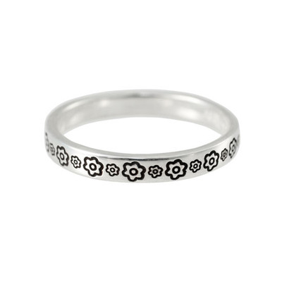 Stackable ring stamped with flowers