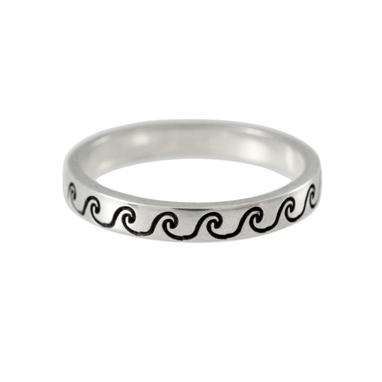 Stackable ring stamped with waves