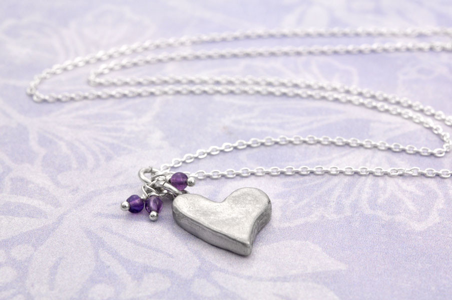 Side view of chunky heart pendant