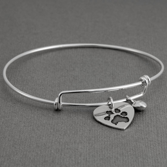 Expandable bracelet with custom paw print
