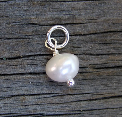 Fresh Water Pearl (June)