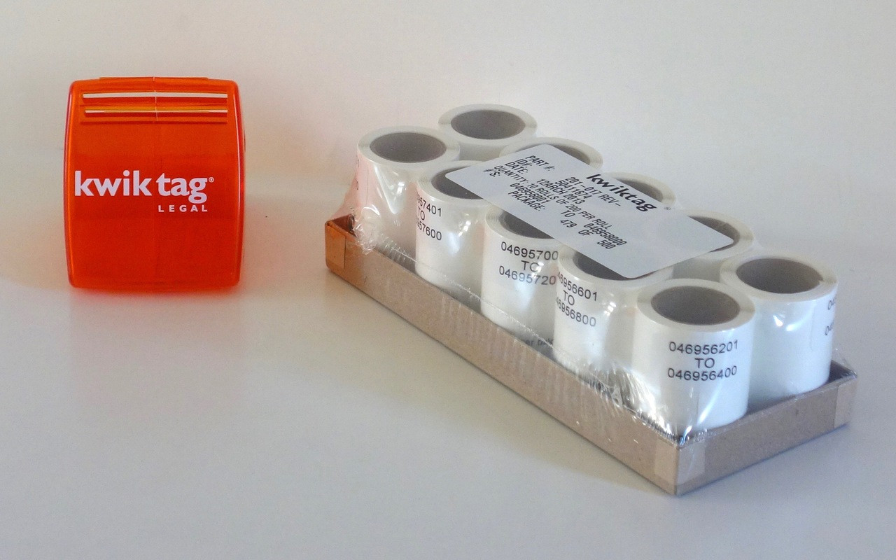 Each Kit comes with your choice of 200-count or 500-count rolls of KwikTag Labels