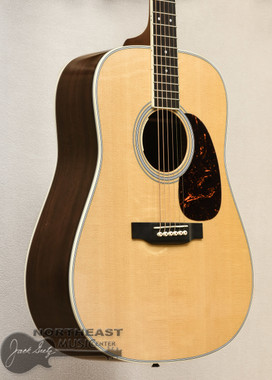 Martin D-35E Reimagined Series Dreadnought Acoustic Guitar With Spruce Top & East Indian Rosewood Back and Sides (Y18D38E)