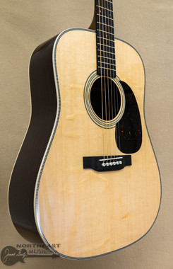 Martin D-28 Modern Deluxe with Hardshell Case | Northeast Music Center Inc.