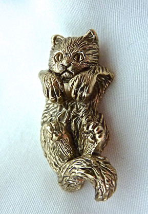 Kitten Hanging Pendant 14k Gold