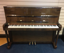 Petrof 118 Upright Piano
