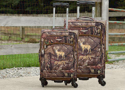 Kids Mossy Oak luggage with embroidery