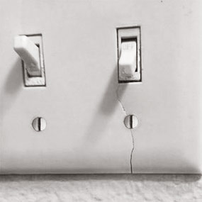Difference Between Plastic Vs Metal Switch Plates