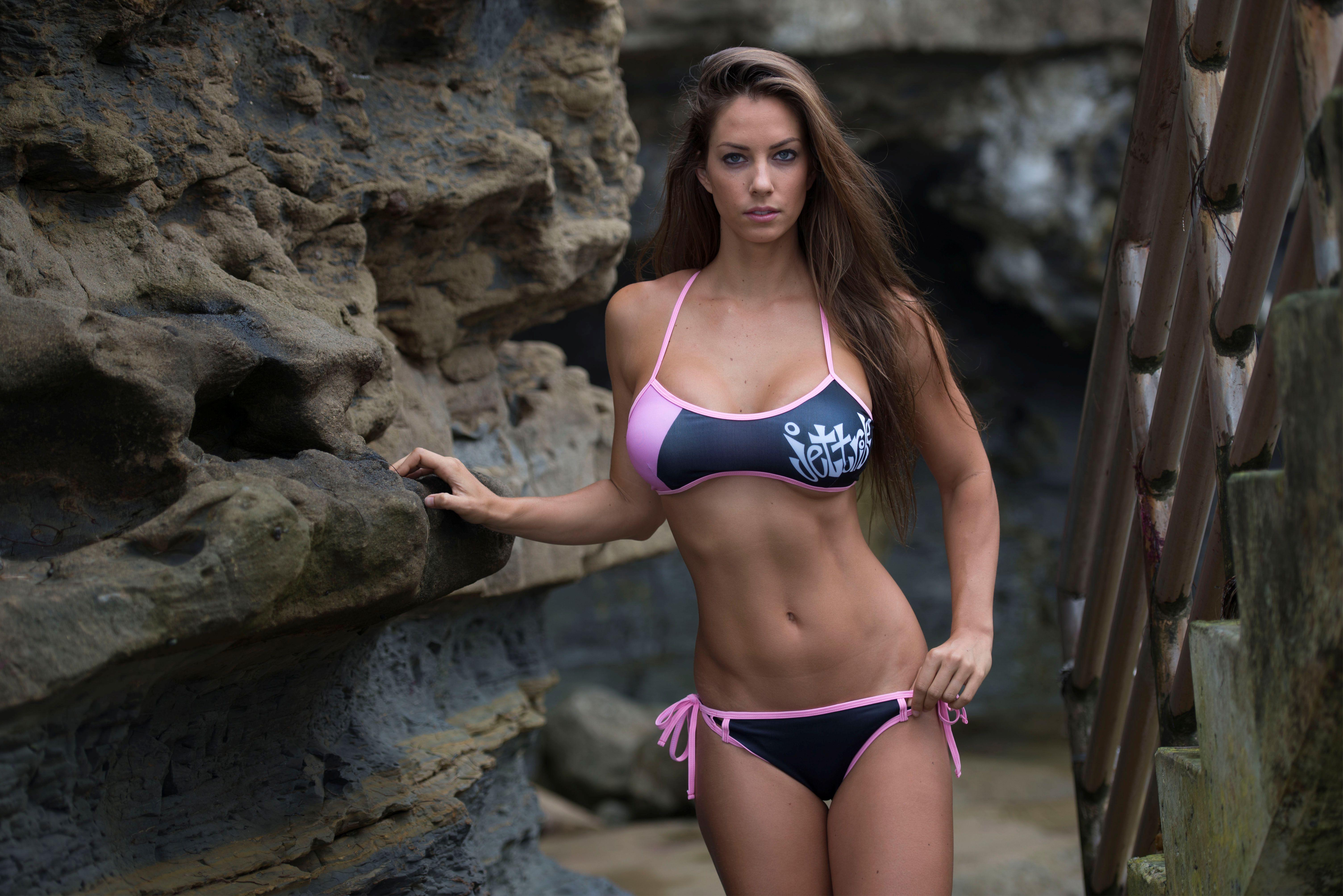 Janna - Sporty Pink Bikini