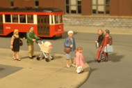 Bachmann SceneScapes O Scale Strolling Figures - 33159