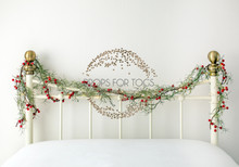 60 x 42 double bed size white festive christmas bed scene, with red berries