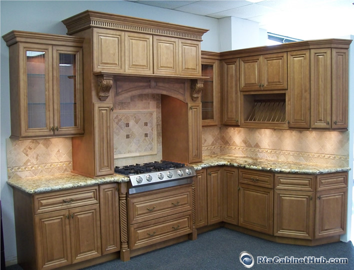 maple glazed kitchen cabinets cinnamon maple glaze rta cabinet hub glazed toffee 23044