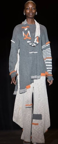 Abbeypoint Pants with Abbeypoint Sweater Nat/Grey/Peach