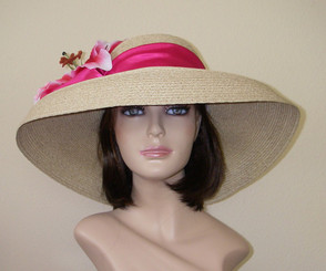 Oaks Downbrim w/Lily or Rose