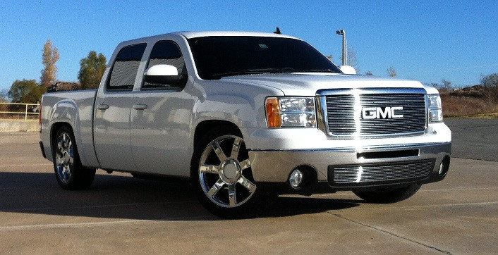 in addition Sierra in addition Gmc Sierra Wheels Silver Machine Oem Replica Rims Audiocityusa Ea Fb as well Chevy Bumper furthermore S L. on 2009 chevy truck with lift kit