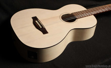 ART & LUTHERIE ROADHOUSE A/E FADED CREAM with gig bag