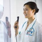 Medical Professional using Olympus RecMic II RM-4010P