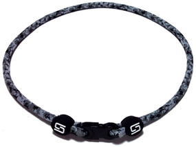 1 Rope Titanium Necklace (Camo)