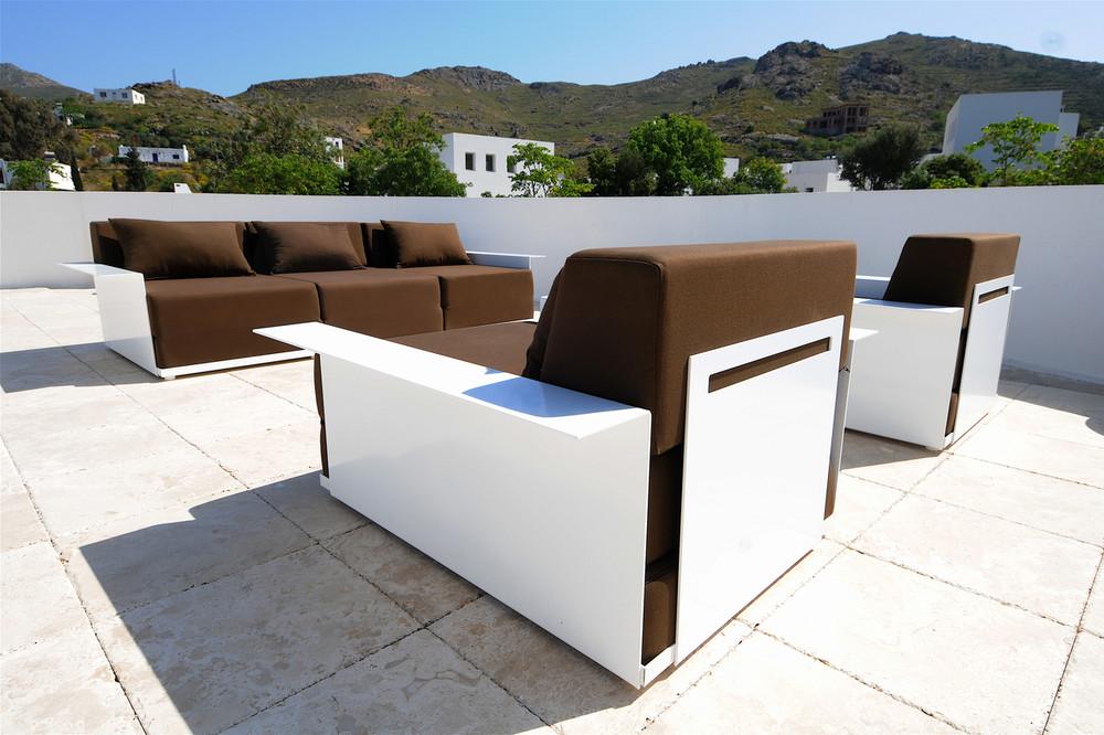 4 Inside Out Furniture Single Sofa With Armrest Radius Design Usa