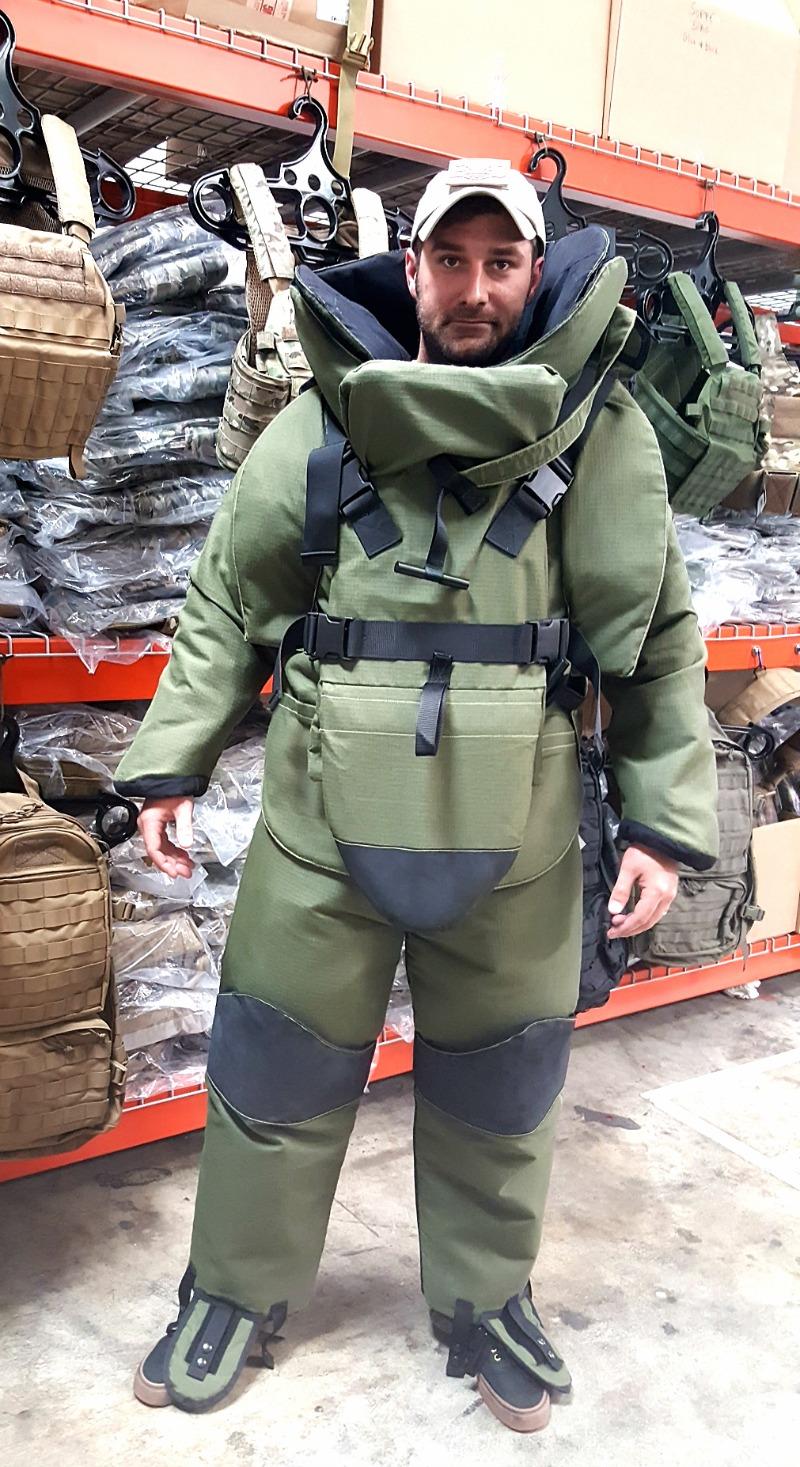 eod-10-bomb-suit-alternative.jpg