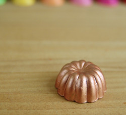 Dollhouse Miniature Round Copper Jell-O Mold - 1/12 scale