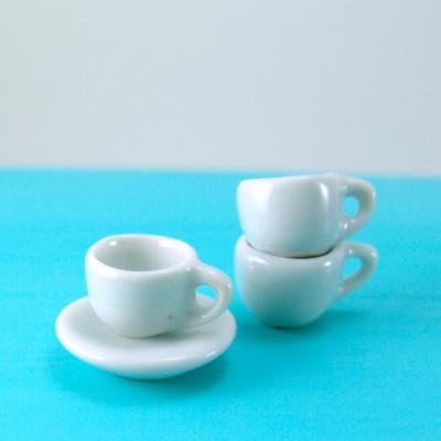 1:12 Scale Black Coffee In A Ceramic Mug With A Cherry Motif Tumdee Dolls House