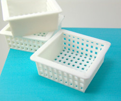 Dollhouse Miniature Basket, White Plastic, Large Size - 1/12 scale