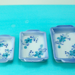 Dollhouse Miniature Casserole Dish Set, Blue Pattern - 1/12 scale