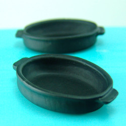Dollhouse Miniature Roasting Pan, Black Oval - 1/12 scale