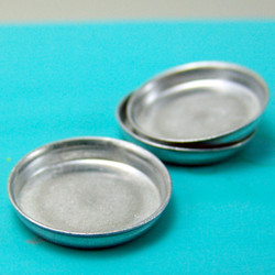 Dollhouse Miniature Cake Pan - 1/12 scale