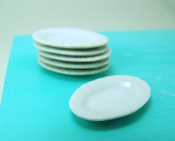 Dollhouse Miniature Oval Plate, Ridged Edge, Medium Size - 1/12 scale