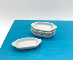 Dollhouse Miniature Casserole Dish, Oval - 1/12 scale