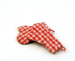 Dollhouse Miniature Oven Mitts in Red Check - 1/12 scale