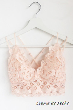 The Scalloped Lace Bralette, Creme De Peche