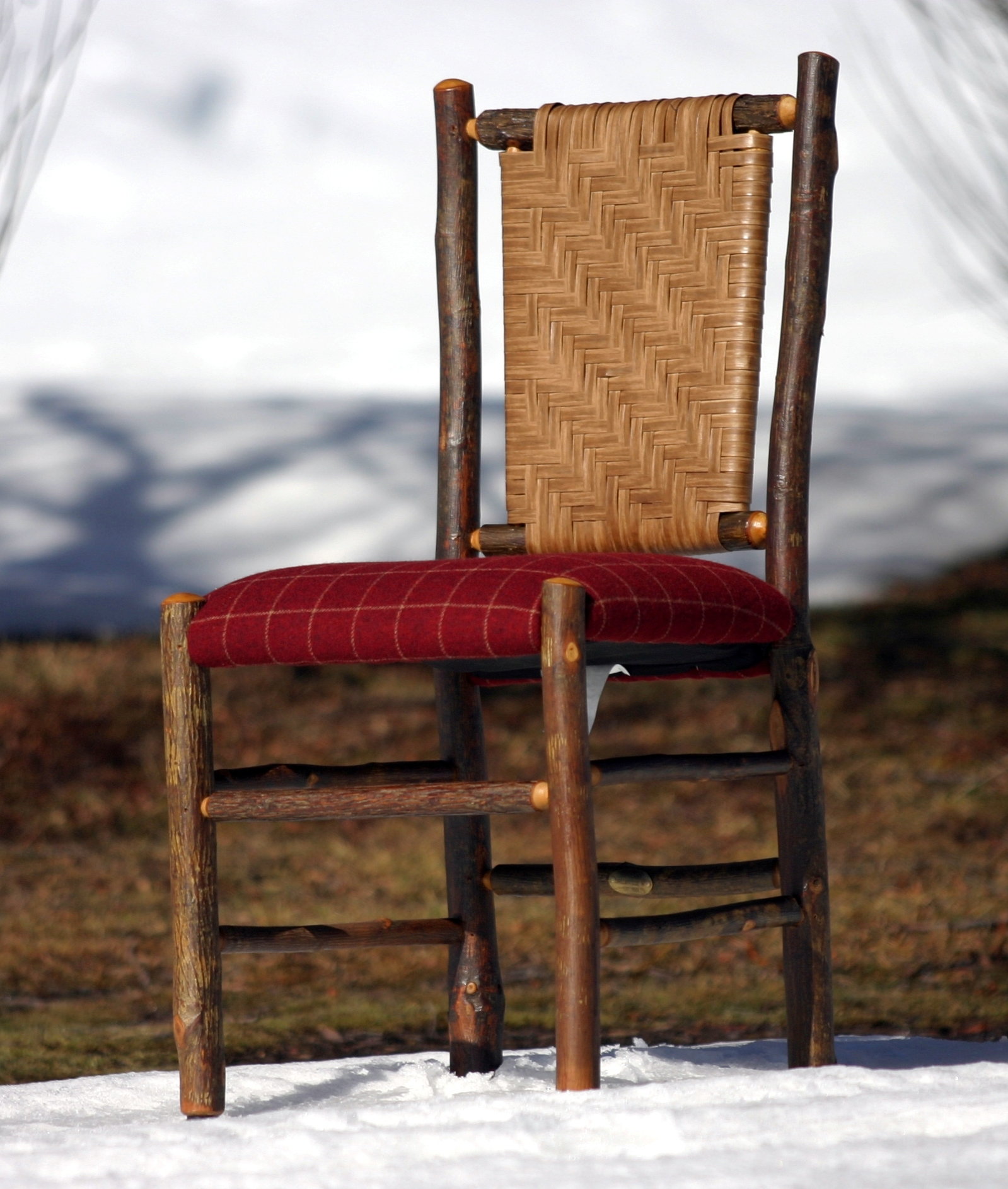 online-store-chair-on-snow-cropped.jpg