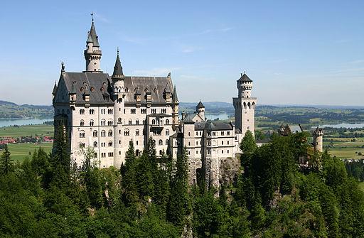 castle-neuschwanstein.jpg
