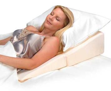 "7"" High Wedge Cushion"