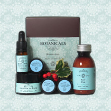 Hands & Feet 'Organic Discovery Box' Festive Gift Set