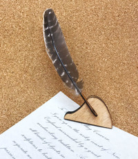 Forestique Turkey Feather Quill Pen With Stand