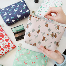 Willow illustration pattern carry all pouch